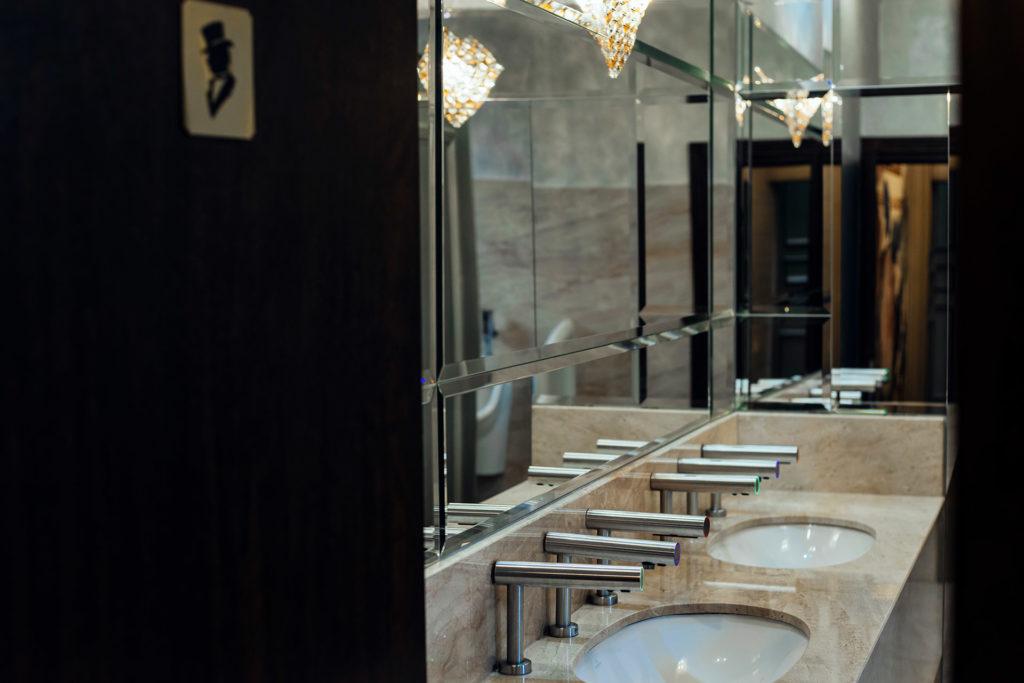 Cazare hotel Sandoria receptie Mures