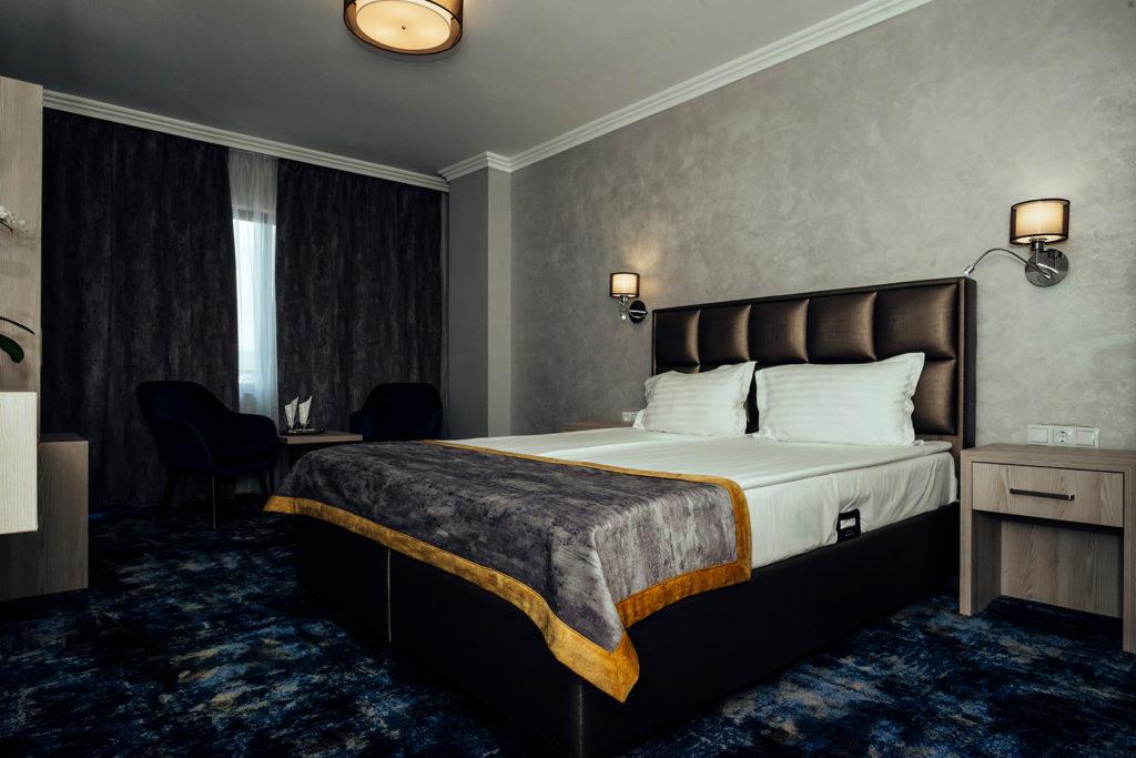 Cazare camera hotel renovata Mures